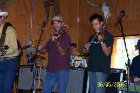 Benny & Haydn.....love those twin fiddles!!