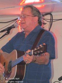 Sam Bentley @ The Stumble Inn (09/04/2010)