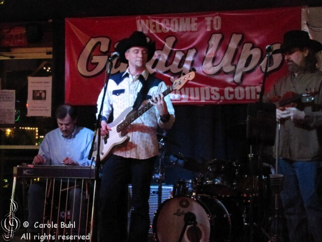Stepsiders @ Giddy Ups (02/05/2011)