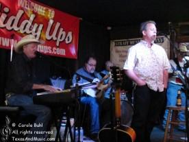 John Casner @ Giddy Ups (05/06/2011)
