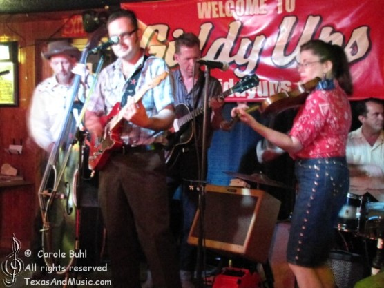 JWW & the Prospectors @ Giddy Ups (06/25/2011)