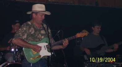 Wayne followed Dale and had some hot licks of his own