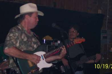 One of our favorite bassists, Bucky Buchanan, was helping Wayne out.